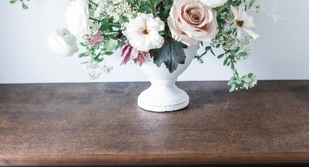 hamilton wedding florist, peony, roses, hellebore, spirea, sweet peas, ranunculus, tulips, hamilton florist, hamilton wedding florist, wedding centrepiece, Kendon Design Co., wedding flowers, floral arrangement, wedding floral arrangement, wedding centrepiece
